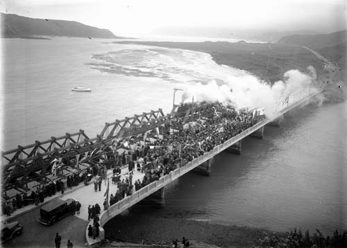 Paremata bridge opening