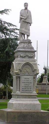 Monument to Te Peeti Te Aweawe