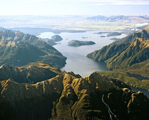 Lake Manapōuri