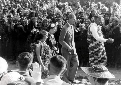 Queen Elizabeth II at Tūrangawaewae, 1953