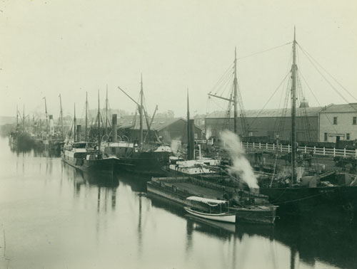 Ships and riverside wharves, around 1900