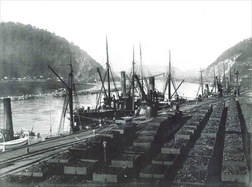 Loading coal at Greymouth
