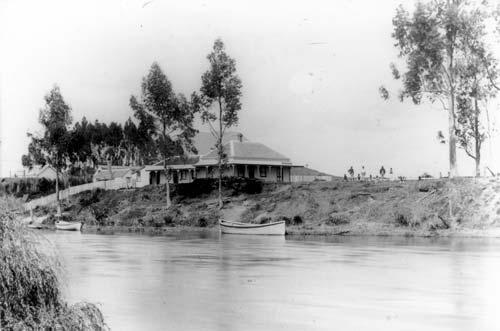 Te Teko Hotel, about 1900