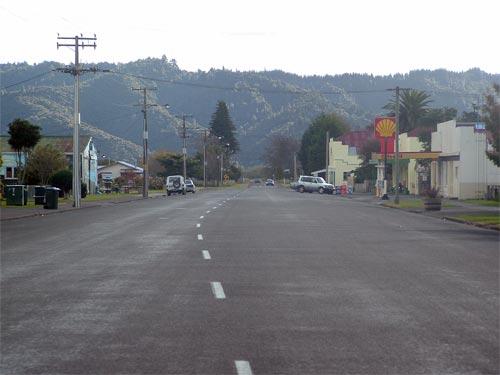 Main road, Waimana