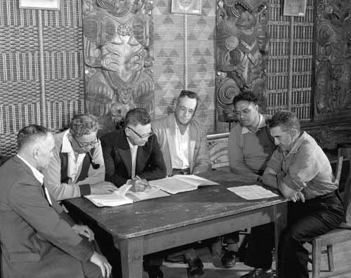 Te Āti Awa of Taranaki tribal meeting