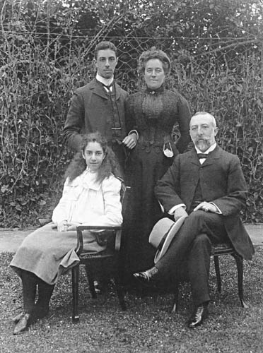 The Theomin family, about 1902
